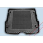 Коврик в багажник FORD Focus универсал 1998-2005 твердый с резиновой вставкой Rezaw Plast